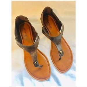 Bamboo Women's Thong Sandals SZ 6